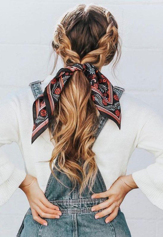 5 - Chouchou foulard sur queue de cheval avec tresses
