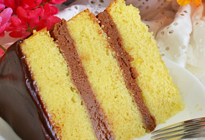 Vanilla Cake With Mexican Chocolate Frosting