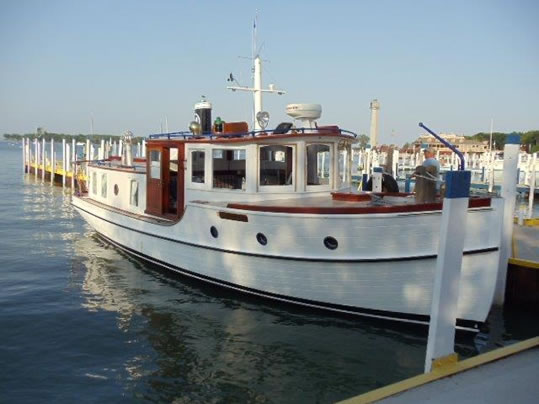 Palmer Johnson LadyBen Classic Wooden Boats For Sale