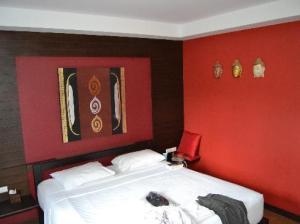 Ark Bar Beach Resort bedroom