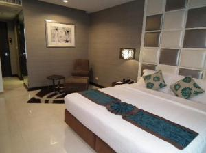 FuramaXclusive Asoke big bedroom