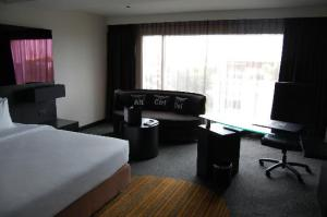 Golden Tulip Mandison Suites view of the room