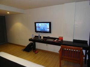 Grand Inn Hotel room