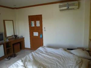 Lekpong Guesthouse bedroom