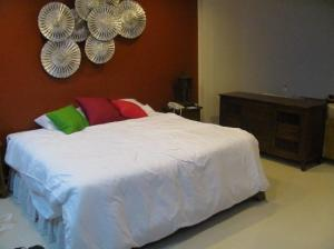 Lulaby Inn Silom bed