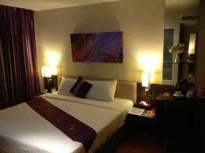 Paradiso Boutique Suites suite bedroom