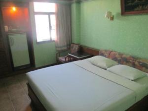 Royal Asia Lodge Bangkok bedroom