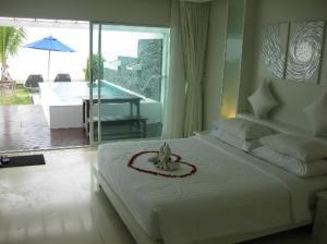 Samui Resotel Beach Resort  bedroom