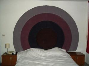 Suriwongse Hotel bed