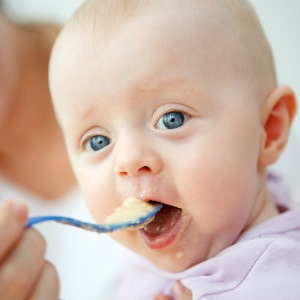 giving solids to baby
