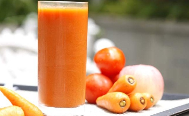 tomato and carrot micture