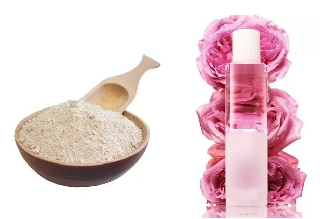 Rose Water And Fuller's Earth Clay Mask For Oily Skin