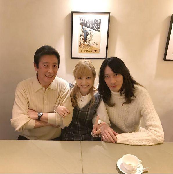 村田充さん(仮面ライダー響鬼の童子、キバのビショップ)と神田沙也加さん(劇場版電王ソラ)が結婚!おめでとうございます♪