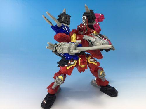 「騎士竜戦隊リュウソウジャー ミニプラ」第1弾 3体の騎士竜が合体した「ミニプラ キシリュウオースリーナイツ」が公開!4月発売