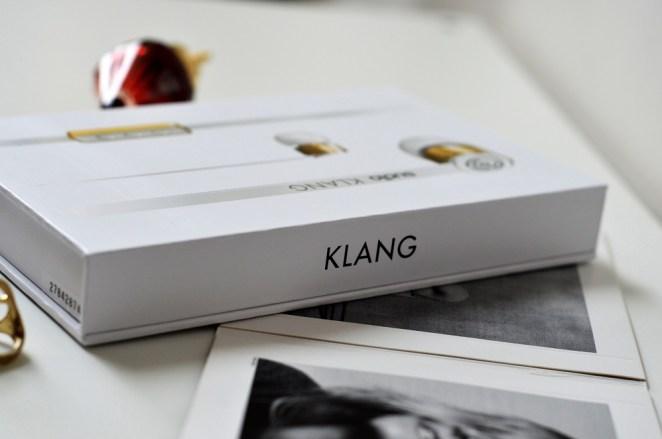 Sudio Klang White Earphones Review, Lady Goldapple