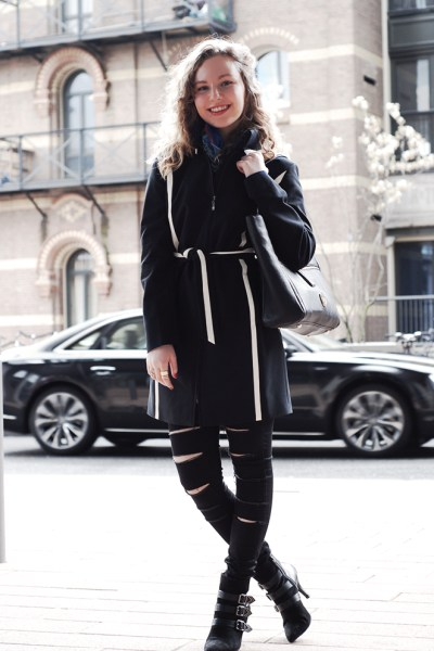 How to wear Black on Black