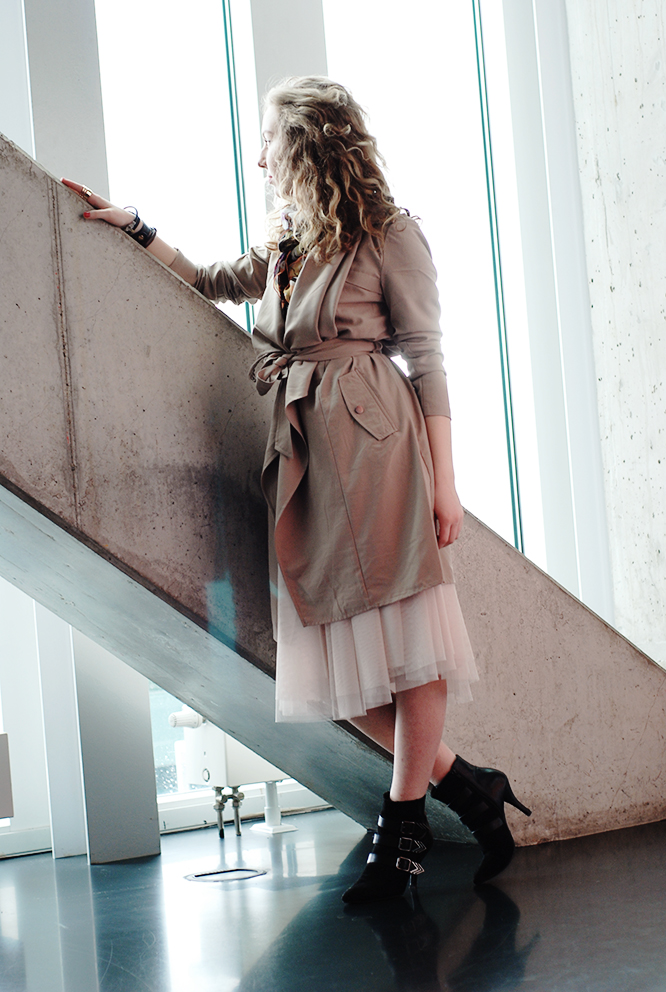 trench coat classic nude
