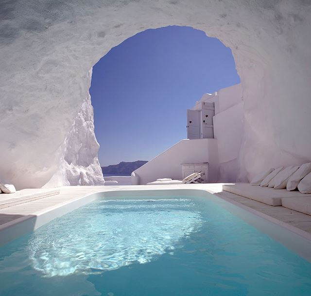 Santorini | Luxury Travel #002GoldappleGoals