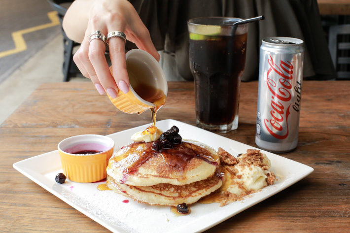 Nassim Hill Pancakes with Coke