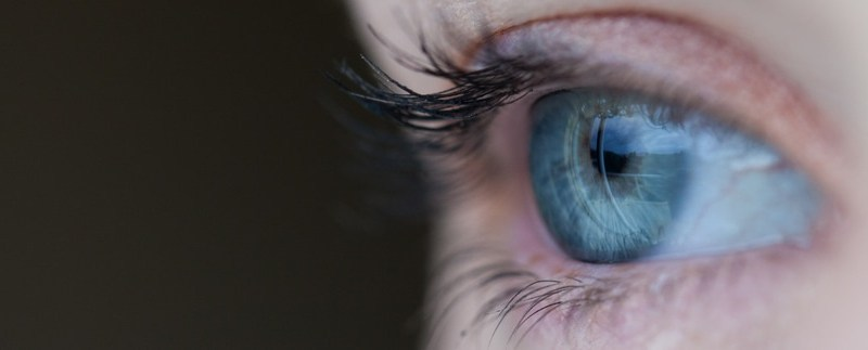 Seeing Clearly: The Benefits Of Choosing Contact Lenses