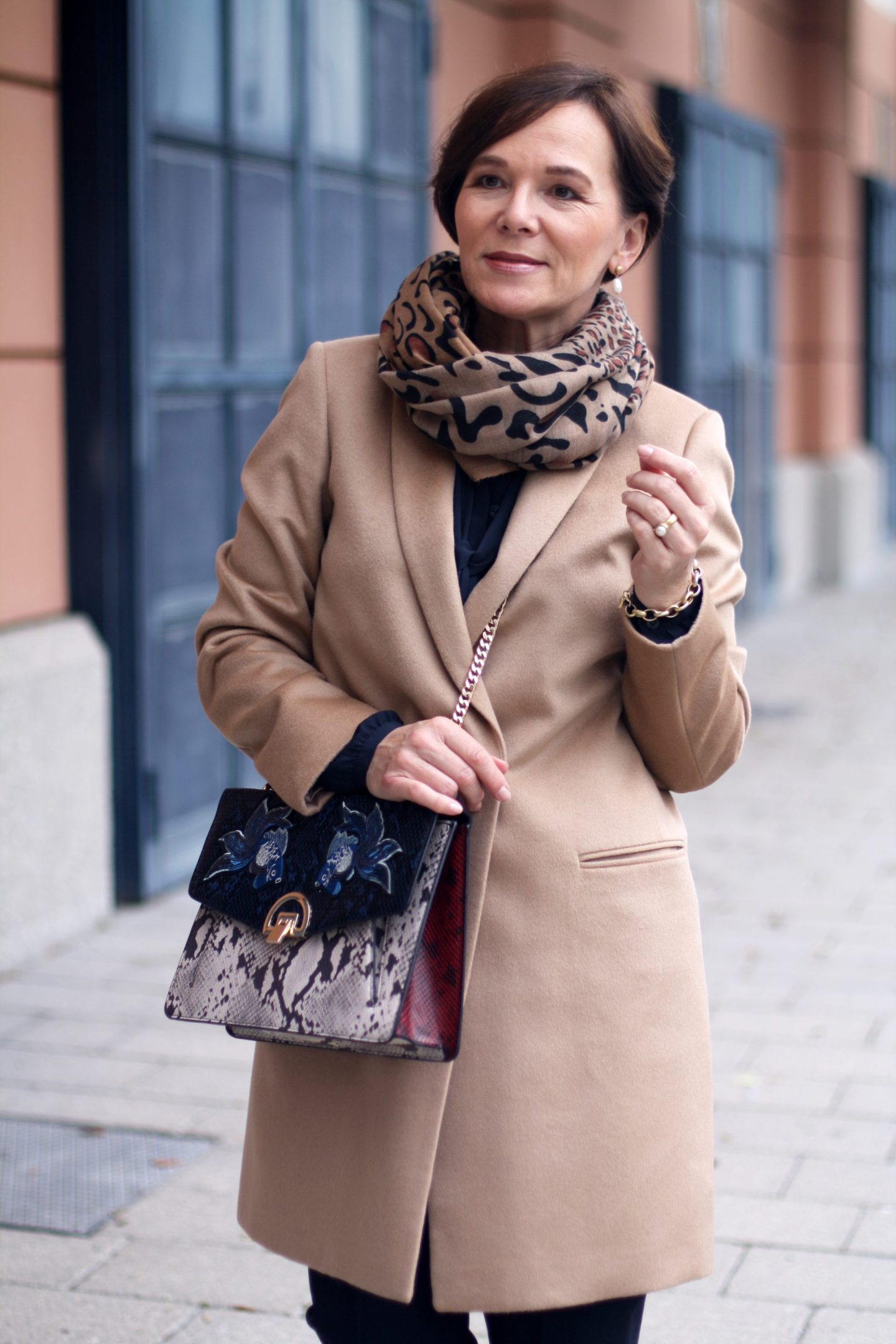 Madeleine Wollmantel Camelcoat Eleganz Herbstmode Leo 50plus Blogger LadyofStyle
