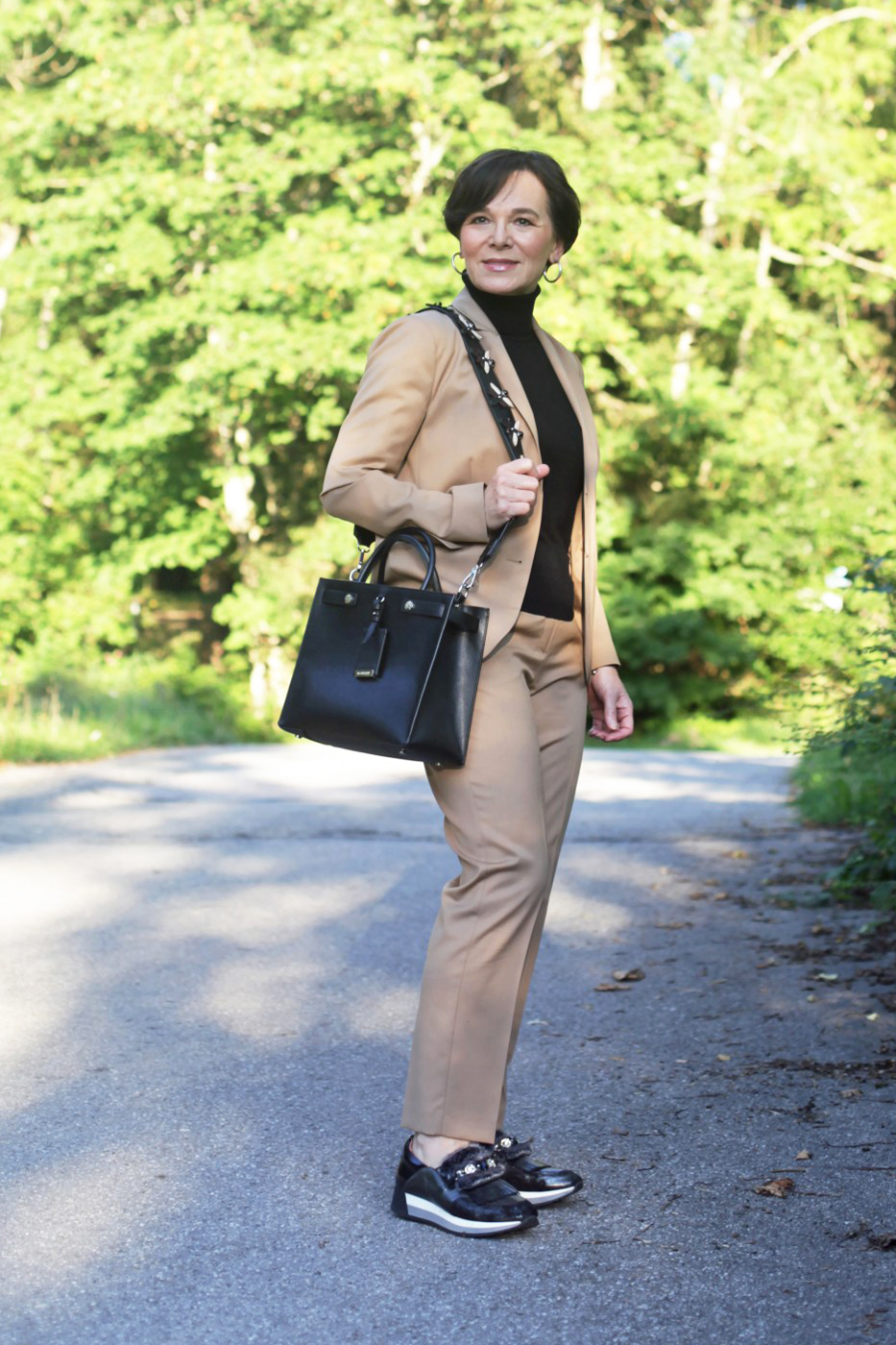 LadyofStyle Hosenanzug Businesslook Powersuit Bürolook Hallhuber Madeleine 50plus Blogger