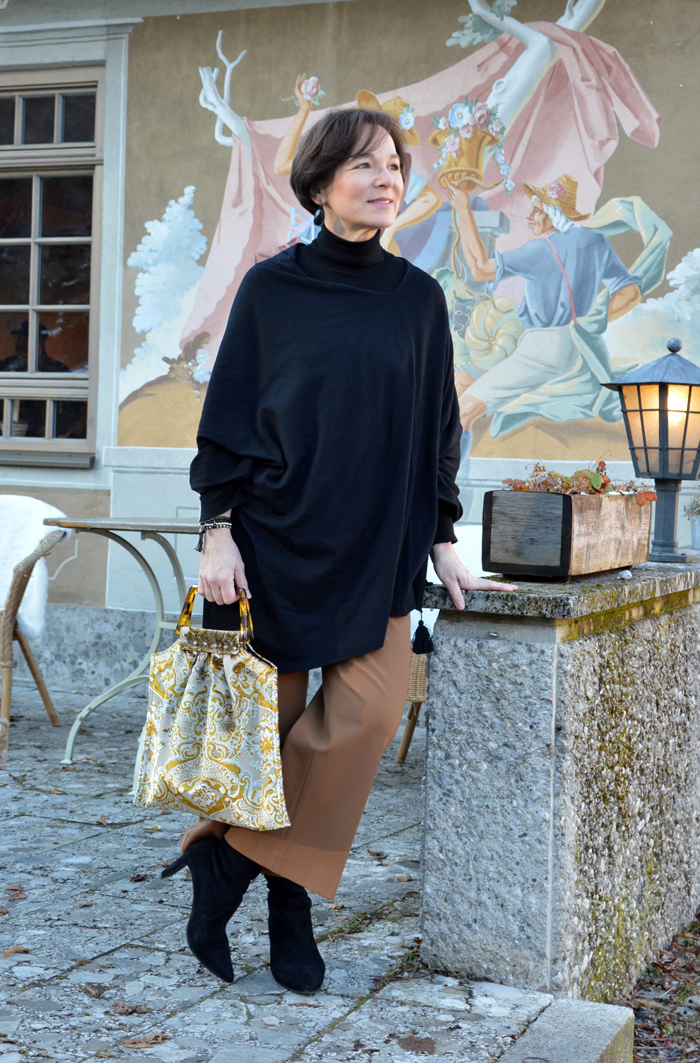 LadyofStyle Cape Poncho Culottes Herbstlook 50plus Blog