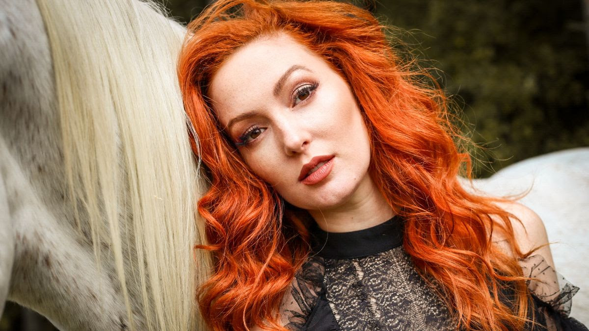Nicole Simone - Late July Star Of On A List