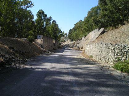 Camino de acceso a los polvorines del Rancho de la Bola