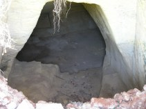 Entrada a otra de las cuevas de San Cristóbal