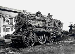 Locomotora en construcción en los talleres de Echevarrieta