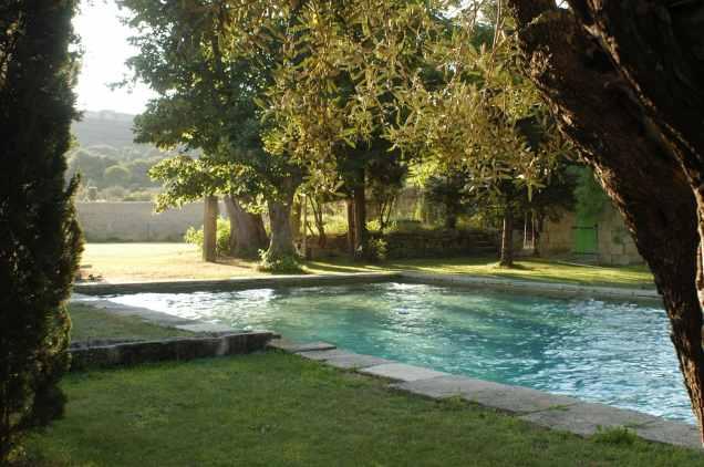 domaine des escaunes piscine - la fabrique a mariage