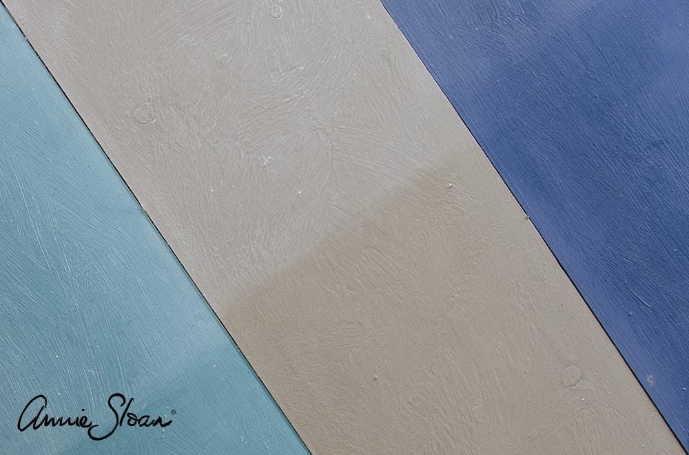 Les différentes finitions de cire wax sur des teintes de la gamme chalkpaint Annie Sloan
