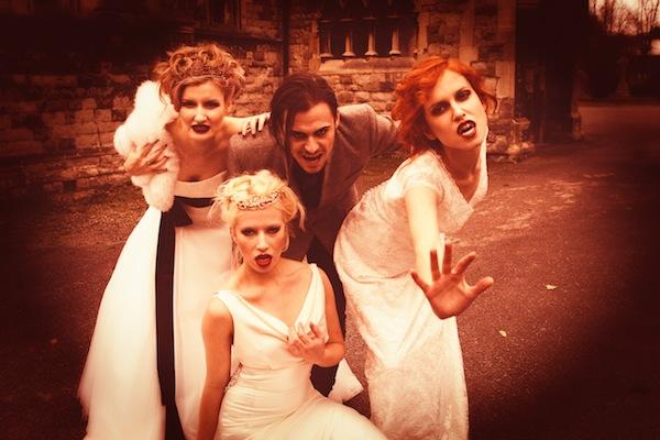 Halloween Wedding special Vampire brides - Lara Celenza - LaFianceeduPanda 51