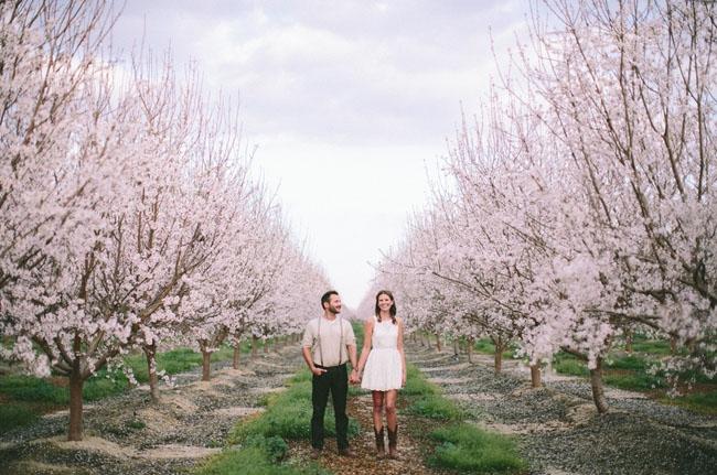 22 seance engagement printemps - La Fiancee du Panda Blog mariage