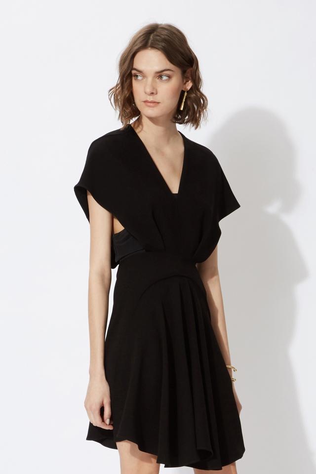 Petite robe noire invitee mariage soiree Maje l La Fiancee du Panda blog mariage