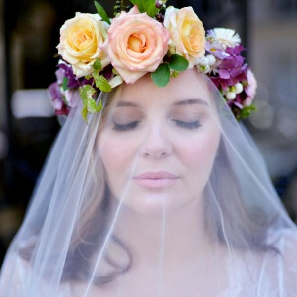 Jolie robe de mariee ronde Stephanie Wolff Paris l Photographe Julie Coustarot l DA et stylisme La Fiancee du Panda - blog mariage
