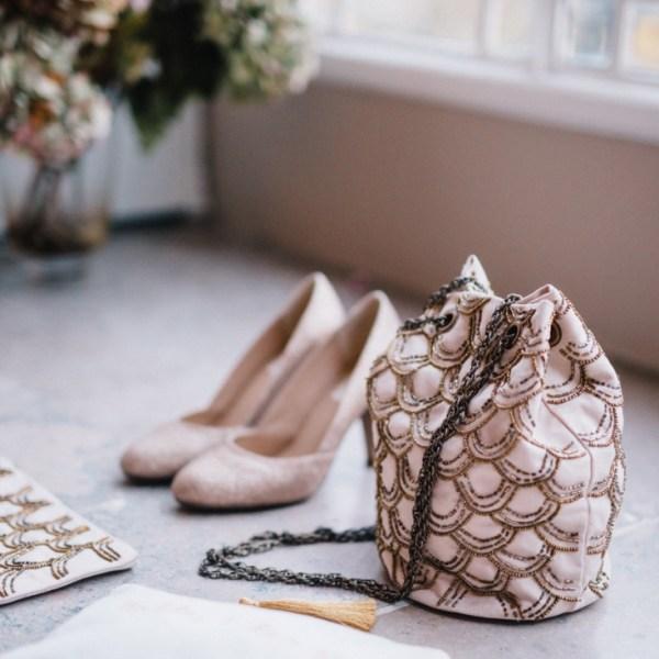 Lorafolk x Monoprix sac brode chaussures paillettes dorees l La Fiancee du Panda blog mariage