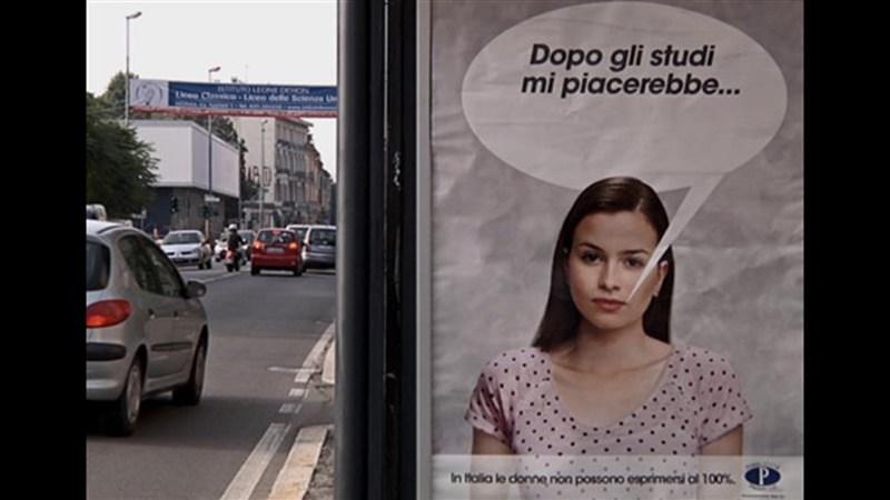 Spot Pubblicità Progresso 2014 sul fatto che le donne non sono libere di scegliere (!!!).