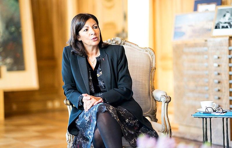 """La multa alla Sindaco di Parigi svela la minaccia della """"parità"""" femminista"""
