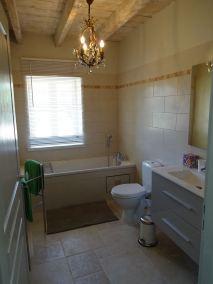 Salle de bain de la chambre de Gaby