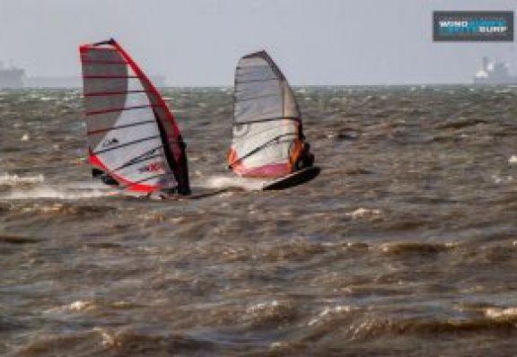 Campeonato de Wind Surf y Kitesurf.