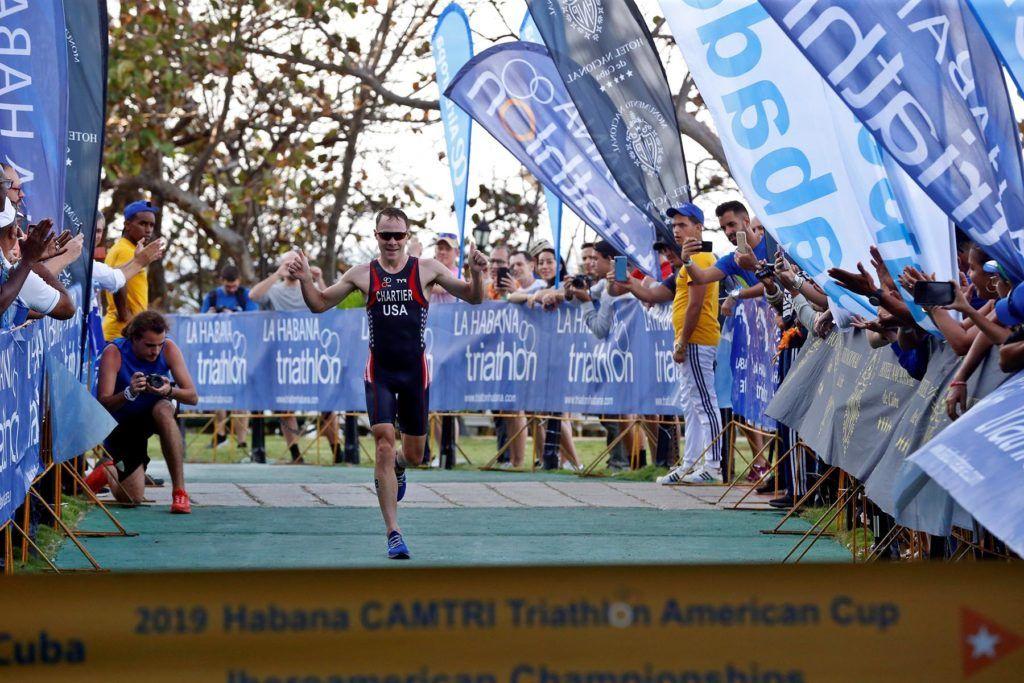 Colombiana Raga y estadounidense Chartier ganan triatlón de La Habana