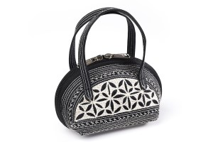 kecil handmade handbag in black and cream