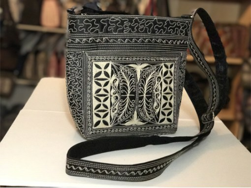 paspor large handmade handbag black with cream thread