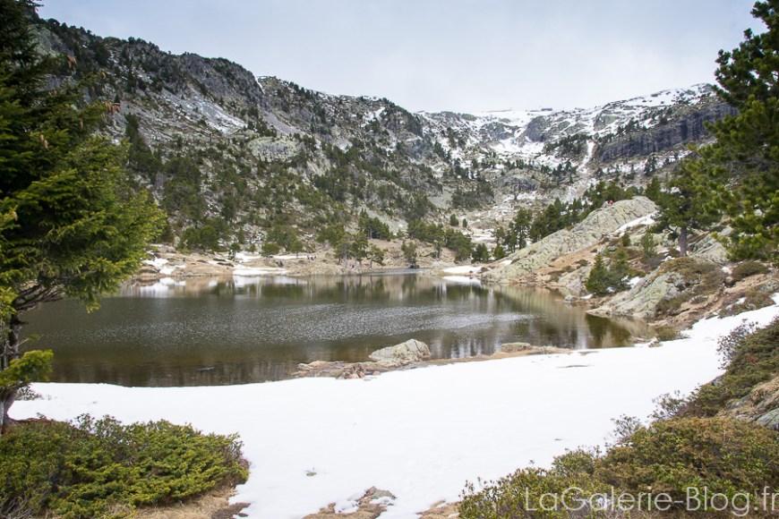 neige autours du lac