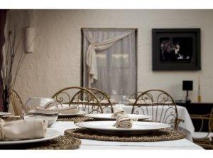 Restaurante Mora, acogedora cocina de interior