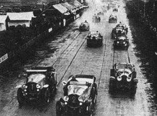 Départ de la première édition des 24h du Mans en 1923