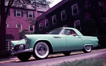 Le 9 septembre 1954, la première Ford Thunderbird
