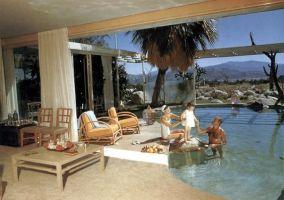 La maison du designer Raymond Loewy à qui l'on doit le dessin des Studebaker et des logos Lucky Strike, BP, LU...